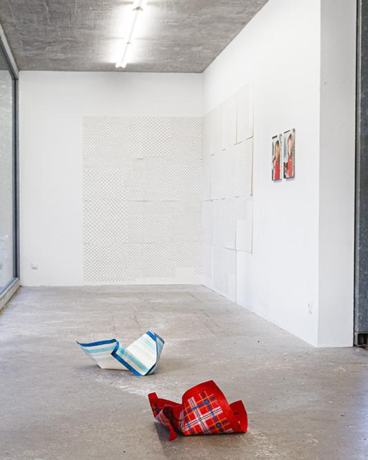 Taschentücher Ausstellungsansicht real privat